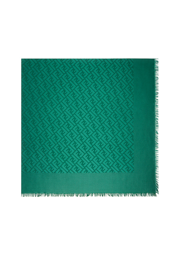 Fendi Chal y Shawl color verde, referencia FXT924MEA, medida 140 x 140 cm,Composición de 60% SEDA, 40% LANA.